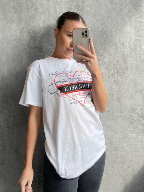 Sarah Amoureux Heart Graphic Printed T-Shirt In White