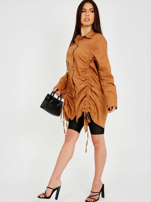 Rachelle Drawstring Ruched Buttoned Shirt Dress In Camel